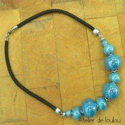 Achat joli collier bleu