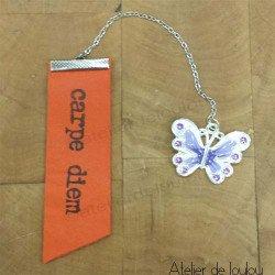 Marque page cuir carpe diem | marque livre papillon