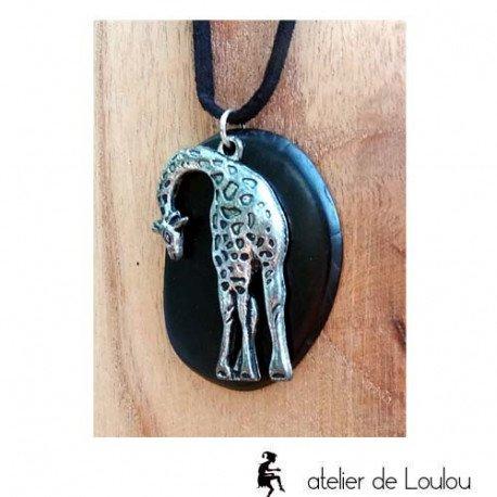 collier graine açai girafe| collier graine végétal métal