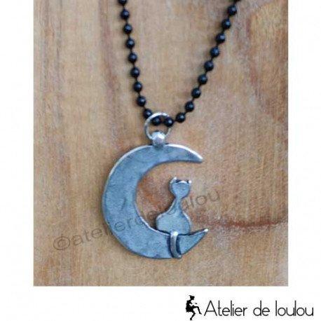 Acheter collier avec un joli chat sur la lune